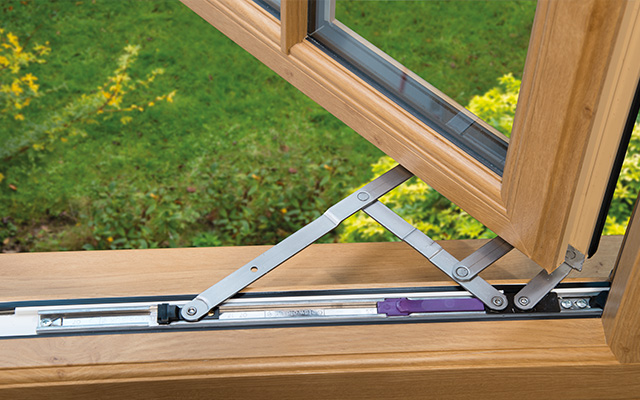 cleaning upvc window frame